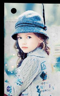 Alisa Davorov ajándékozó ládája - Page 2 A_foy03